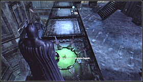 Return to where the Trophy is and stand on the pressure plate #1 thanks to which you will activate the question marks - Batman trophies (11-18) | Amusement Mile - Amusement Mile - Batman: Arkham City Game Guide