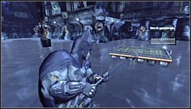 Prepare and shoot the Grapnel Gun towards the platform hanging above the water #1 - Rescue remaining undercover GCPD officers in the Museum | Main story - Main story - Batman: Arkham City Game Guide