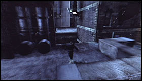 Head east #1, glide onto the next building and quickly climb the roof - Catch assassin and plant tracking device | Main story - Main story - Batman: Arkham City Game Guide