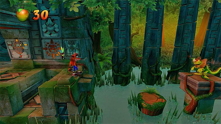 Go right and avoid obstacles that you already know from The Lost City - Sunset Vista | Wumpa Island | Levels - Crash Bandicoot - Wumpa Island - Crash Bandicoot N. Sane Trilogy Game Guide