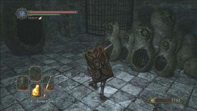 Destrua as gaiolas de pedra.  - The Lost Bastille - vamos continuar - Detonado - Dark Souls II - Guia do Jogo e Passo a passo