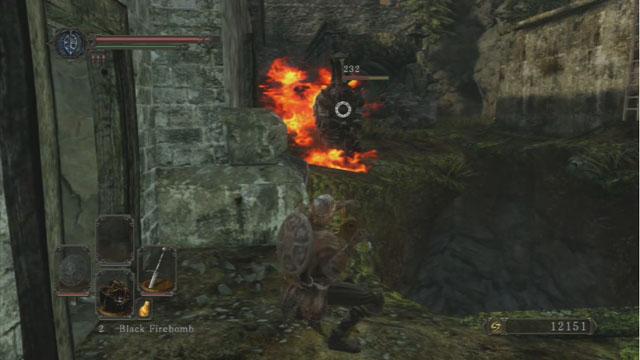 Lançar bombas com o inimigo.  - Forest of the Giants caídos - Vamos seguir em frente - Detonado - Dark Souls II - Guia do Jogo e Passo a passo