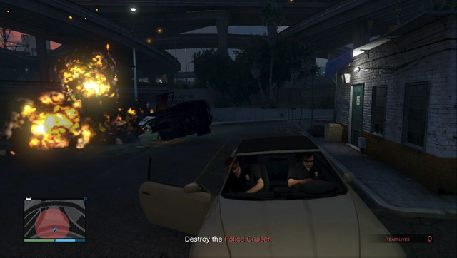 Blow up the police car and escape on the getaway car - Heist 2: Prison Break - Heists (DLC) - Grand Theft Auto V Game Guide