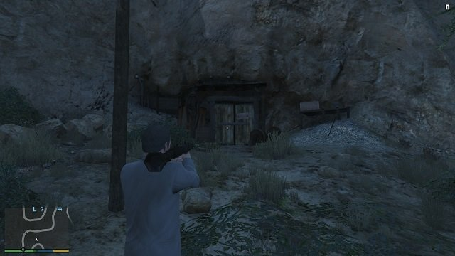 We demolish the entrance and here we go. - Mine - Murder Mystery - Grand Theft Auto V Game Guide