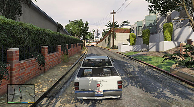 You need to watch out along your way through the narrow streets of Vinewood - 8: Marriage Counseling - Main missions - Grand Theft Auto V Game Guide