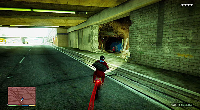 Leave the store and, after you watch a short cutscene, start escaping on a dirt bike (Maibatsu Sanchez), after having cut back to Franklin - 16: The Jewel Store Job - the Smart variant - Main missions - Grand Theft Auto V Game Guide