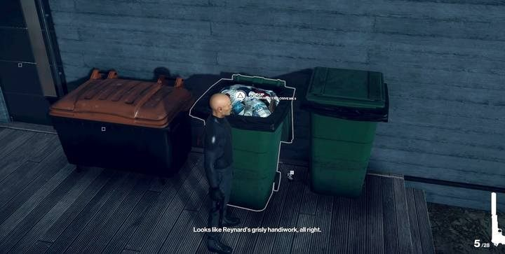 In the first mission, the initial smuggling location is a rubbish bin. - How to smuggle useful items to mission area in Hitman 2? - FAQ - Hitman 2 Guide