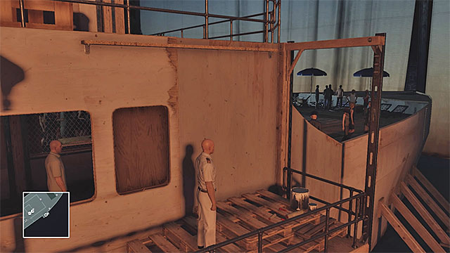 Using the scaffolding is one of the methods of reaching second deck - Yacht infiltration | Freeform Training - Freeform Training - Hitman Game Guide