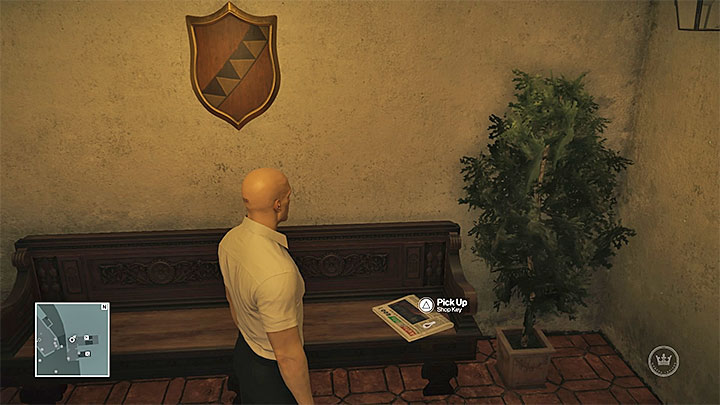 You can take the shop key even if you are not wearing any outfit at all - Disguises and important items | Sapienza: The Icon - Summer Episode - Sapienza: The Icon - Hitman Game Guide