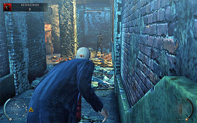 On higher difficulty levels you have to expect one more policeman here, patrolling the corridor adjacent to the one with two cops mentioned earlier - Courtyard - 5: Hunter and Hunted - Hitman: Absolution - Game Guide and Walkthrough