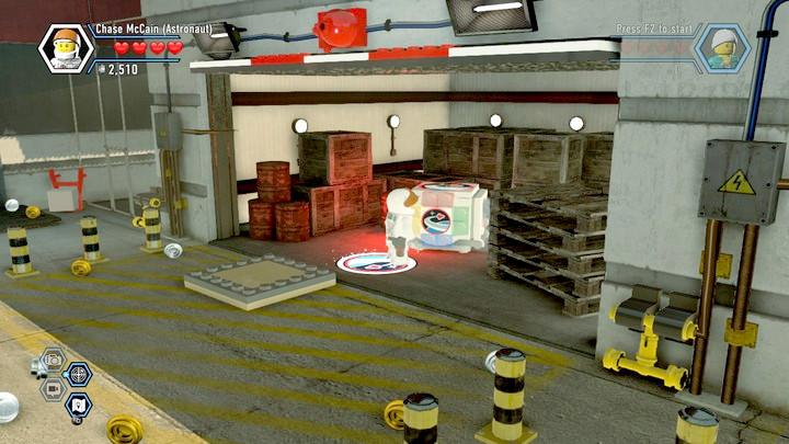 In the garage, rebuild the bricks to receive the color swapper - Fireman training | Walkthrough - Chapter 10 - LEGO City: Undercover Game Guide