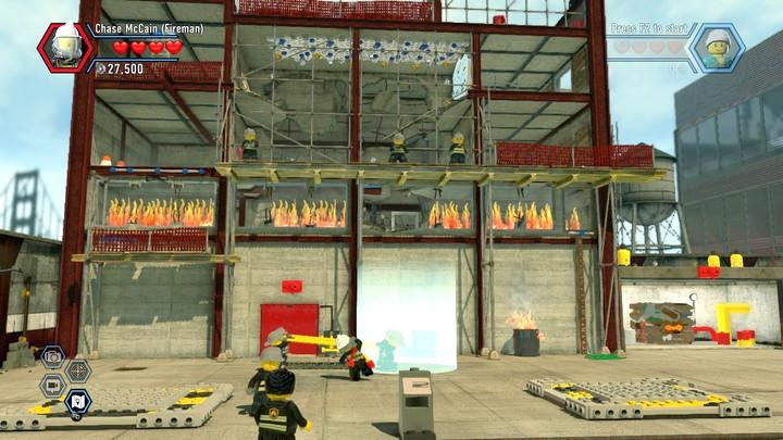 Keep moving left and right, into spots flashing with bright light - Fireman training | Walkthrough - Chapter 10 - LEGO City: Undercover Game Guide