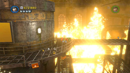 #08 - You have to extinguish 5 fires - Chemical Crisis - Minikits - LEGO Batman 2: DC Super Heroes - Game Guide and Walkthrough