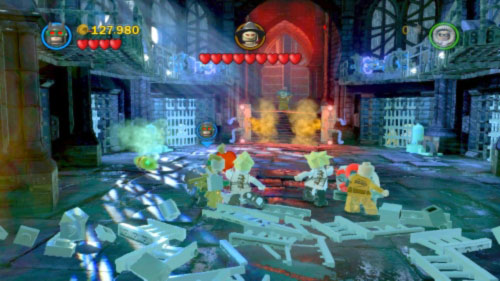 Move to the next location where you will have to face with Scarecrow - Asylum Assignment | Walkthrough - Walkthrough - LEGO Batman 2: DC Super Heroes Game Guide & Walkthrough