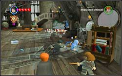 Use (RD) on seven silver items found in the room - Bonuses - Hogwarts - Walkthrough - LEGO Harry Potter: Years 1-4 - Game Guide and Walkthrough