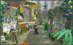 Fleur Delacour: Use (RD) on the big, locked chest and then open it with normal magic - Bonuses - Hogwarts - Walkthrough - LEGO Harry Potter: Years 1-4 - Game Guide and Walkthrough