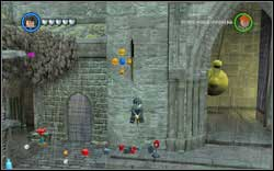Use (DM) on the red armour by the gate and jump onto the broom - Bonuses - Hogwarts - Walkthrough - LEGO Harry Potter: Years 1-4 - Game Guide and Walkthrough