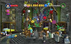 Christmas: Use magic on the barrel in the middle of the room and then destroy all the flowers which will appear - Bonuses - Hogwarts - Walkthrough - LEGO Harry Potter: Years 1-4 - Game Guide and Walkthrough