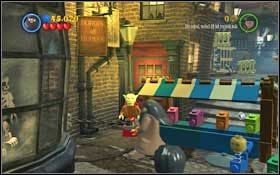 Once on the alley, shoot the colourful boxes - chain pieces will fall out of the red one - Walkthrough - Year 2 Part 1 - Walkthrough - LEGO Harry Potter: Years 1-4 - Game Guide and Walkthrough