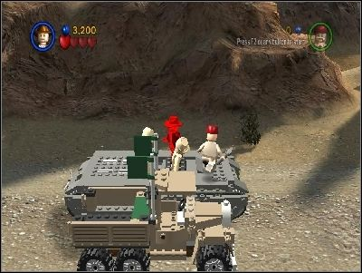 You will start to fight on the roof of the tank - Chapter 5 - Desert Ambush - The Last Crusade - LEGO Indiana Jones: The Original Adventures - Game Guide and Walkthrough