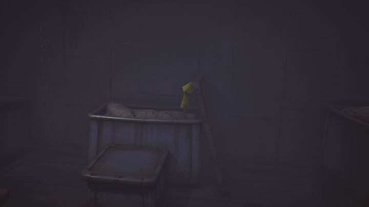 Move the chest lid to the right. - First meeting with the cook | The Kitchen - The Kitchen - Little Nightmares Game Guide