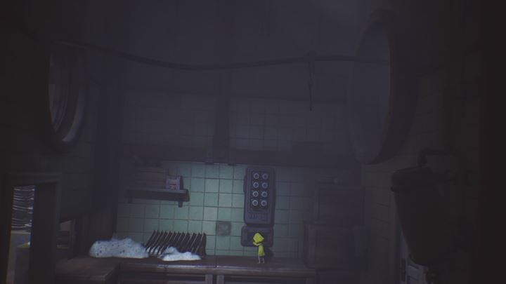 If youre aiming for the achievement, set the hooks to move to the left to collect the lantern. Set them to move to the right to proceed. - The room with the dirty dishes | The Kitchen - The Kitchen - Little Nightmares Game Guide