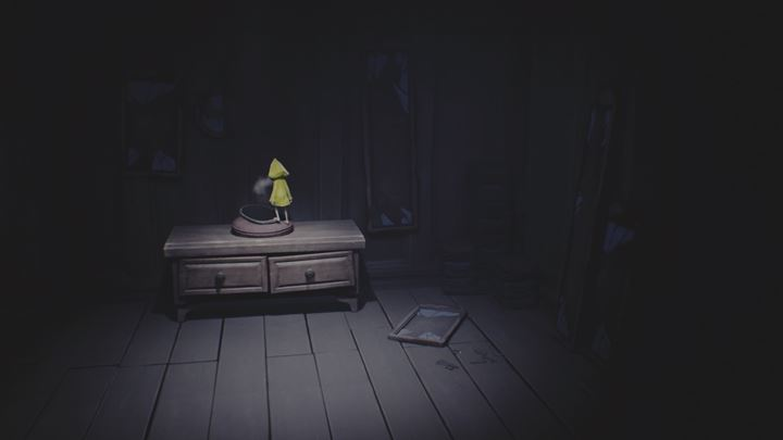 Pick up the mirror from the cabinet - its your fighting chance against the creature. - Meeting The Lady and getting the mirror | The Kitchen - The Ladys quarters - Little Nightmares Game Guide