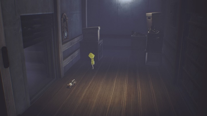 Use the teaddybear to activate the buttons in the elevator. - Quarters of the blind creature (The Lair) - The Lair - Little Nightmares Game Guide
