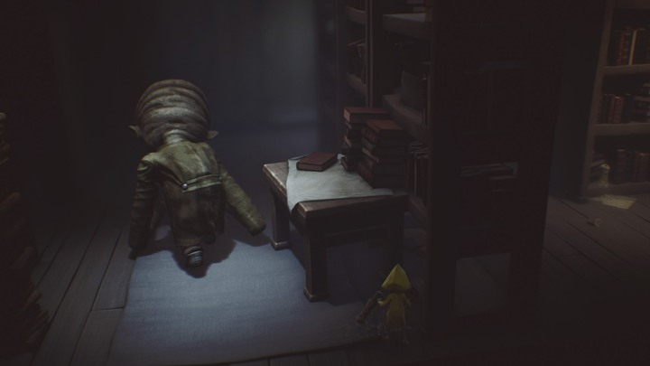 Hide here to avoid being exposed. - The room with clocks and the library (The Lair) - The Lair - Little Nightmares Game Guide