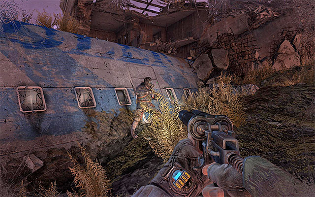 Take your position next to Pavel and fait for the band of mutants to move away - Follow Pavel to the Theater Station - Chapter 8: Echoes - Metro: Last Light - Game Guide and Walkthrough