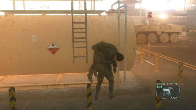Destruir o veículo blindado - Intel Resgate operativo - Ops laterais e Ops Extra - Metal Gear Solid: V Zeroes terra - Guia de jogo e passo a passo