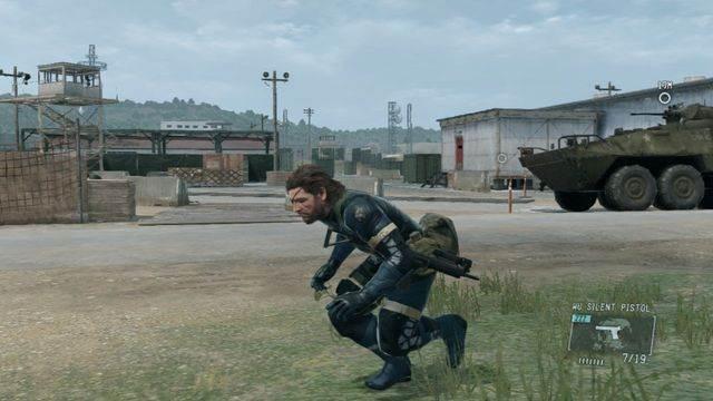 O armazém com porta vermelha - missões secundárias - fitas cassete - Metal Gear Solid: V Zeroes terra - Guia de jogo e passo a passo