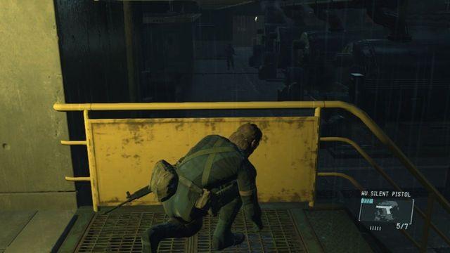 Cuidado com o guarda no nível mais baixo - Extraindo Paz - Passo a passo - Metal Gear Solid V: Zeros terra - Guia do Jogo e Passo a passo