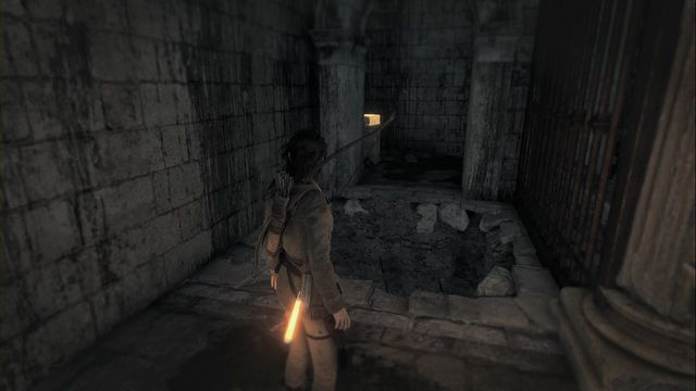 From camp Greek fires storage walk over into a smaller chamber (Northwards), Where there is a statue - Relics and murals | Flooded Archives - Flooded Archives - Rise of the Tomb Raider Game Guide & Walkthrough