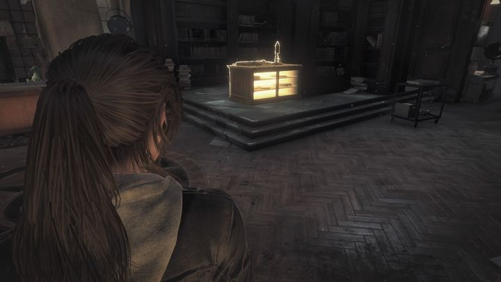 A chest with the master key is hidden under the furniture. - Find the master key | Blood Ties DLC Walkthrough - Walkthrough | Blood Ties DLC - Rise of the Tomb Raider Game Guide & Walkthrough