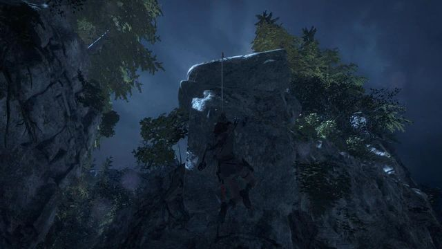 You can take longer leap by attaching the rope not only to the metal elements that you can see in the previous screenshot, but also by attaching it to ledges - Find a safe path back to the Remnant village | Back to the Forest - Back to the Forest - Rise of the Tomb Raider Game Guide & Walkthrough