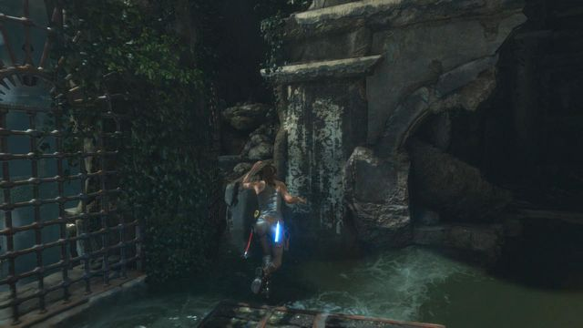 Jump again on the wooden platform and this time let the water wash you off - Climb to the top of the main chamber of the tomb | Syria - Lost tomb - Syria - Lost tomb - Rise of the Tomb Raider Game Guide & Walkthrough