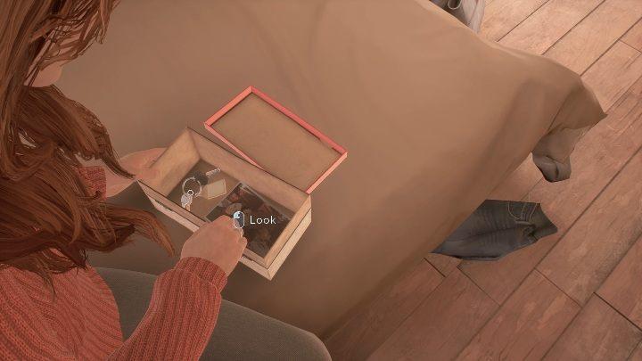В коробке три предмета - фигурка гоблина, ключи и детское фото - Скажи мне, почему: прохождение Воссоединения - Глава 1 Возвращение домой - Скажи мне, почему Руководство, Прохождение