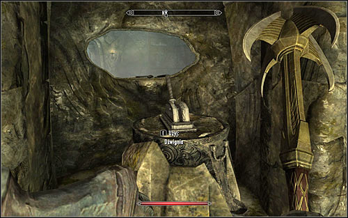 Use the stairs to reach the upper level and enter the southern room in which you will have to eliminate two Draugrs (you can destroy oil lamp here as well, though its best done from afar) - Reaching the portal | The World-Eaters Eyrie - The World-Eaters Eyrie - The Elder Scrolls V: Skyrim Game Guide