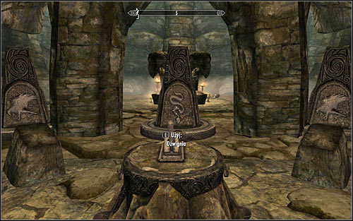 Now you will have to solve the first puzzle in this location, consisting of three interactive pillars located in the middle part of the room - Reaching the portal - The World-Eater's Eyrie - The Elder Scrolls V: Skyrim - Game Guide and Walkthrough