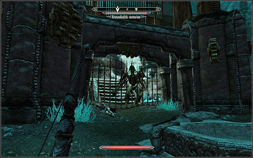 If your character uses ranged attacks, you will be able to use a certain trick - Obtaining the Elder Scroll | Elder Knowledge - Elder Knowledge - The Elder Scrolls V: Skyrim Game Guide