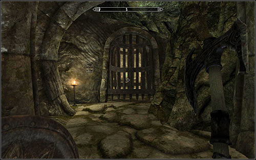 After reaching the new room, you will be attacked by ordinary Draugrs - Heading to the temple of Ustengrav - The Horn of Jurgen Windcaller - The Elder Scrolls V: Skyrim - Game Guide and Walkthrough