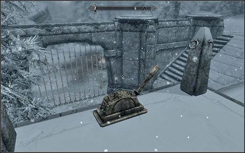 At some point you will reach a grated passage to the further part of the fortress - you dont have to worry, as the gate can be easily avoided (road on the right) - Blindsighted - Thieves Guild quests - The Elder Scrolls V: Skyrim Game Guide