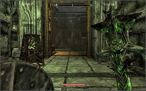 After the battle you should take a look around the area, though keep in mind that trying to open one of the chest here might lead to yet another Spider appearing - The Only Cure - p. 2 - Daedric quests - The Elder Scrolls V: Skyrim Game Guide