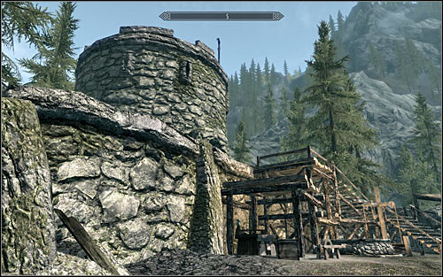 If your character prefers attacking enemy soldiers from a distance, try sneaking into the fort and find a good spot to shoot at them - The Battle for Fort Amol | Imperial Legion Quests - Imperial Legion Quests - The Elder Scrolls V: Skyrim Game Guide