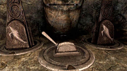 Head below, defeat four Draugrs (you can set fire to the liquid in which they're standing) and approach the next puzzle - Unearthed - Side missions - Kolbjorn Barrow - The Elder Scrolls V: Skyrim - Dragonborn - Game Guide and Walkthrough