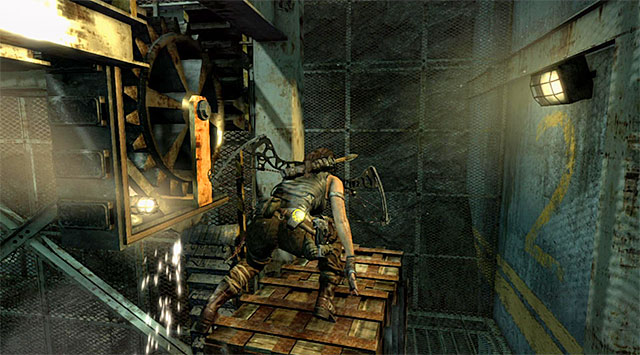 Turn right and climb the nearby crate - Discover the Ancient Tomb - 23: Storm Chaser - Tomb Raider - Game Guide and Walkthrough